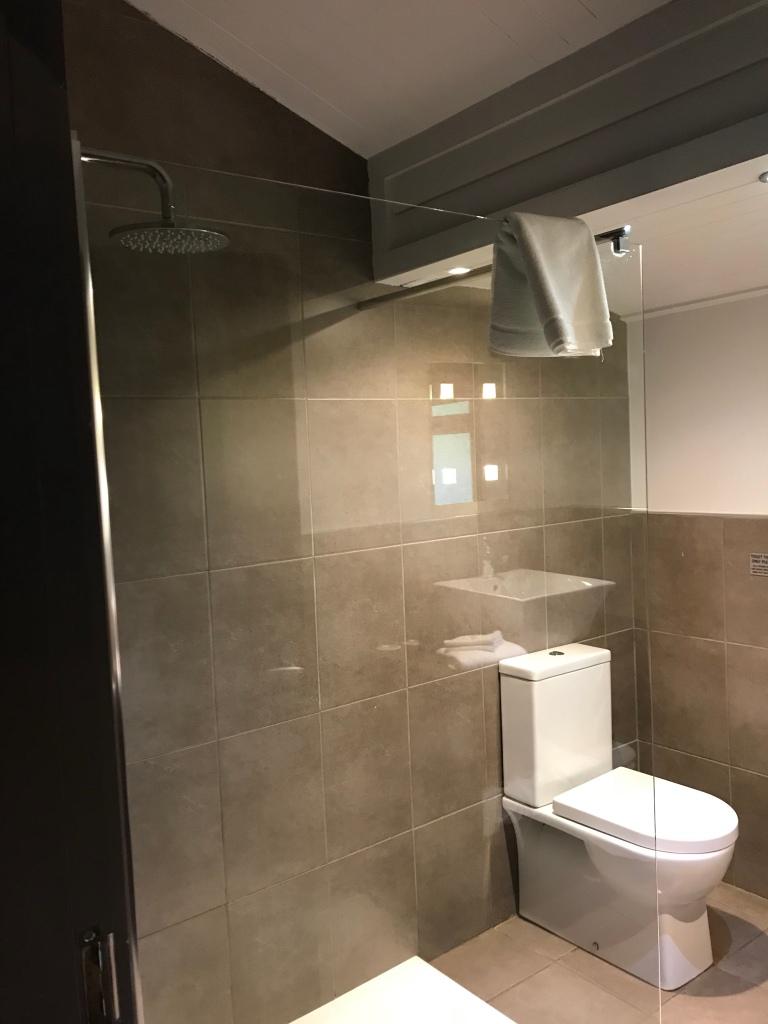 Bathroom, Lusty Beg Island